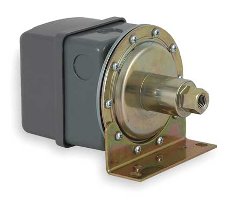 """Vacuum Swtch Stndrd 3/8""""Hg Diaphrgm DPST by USA Square D Electrical Pressure Switches"""